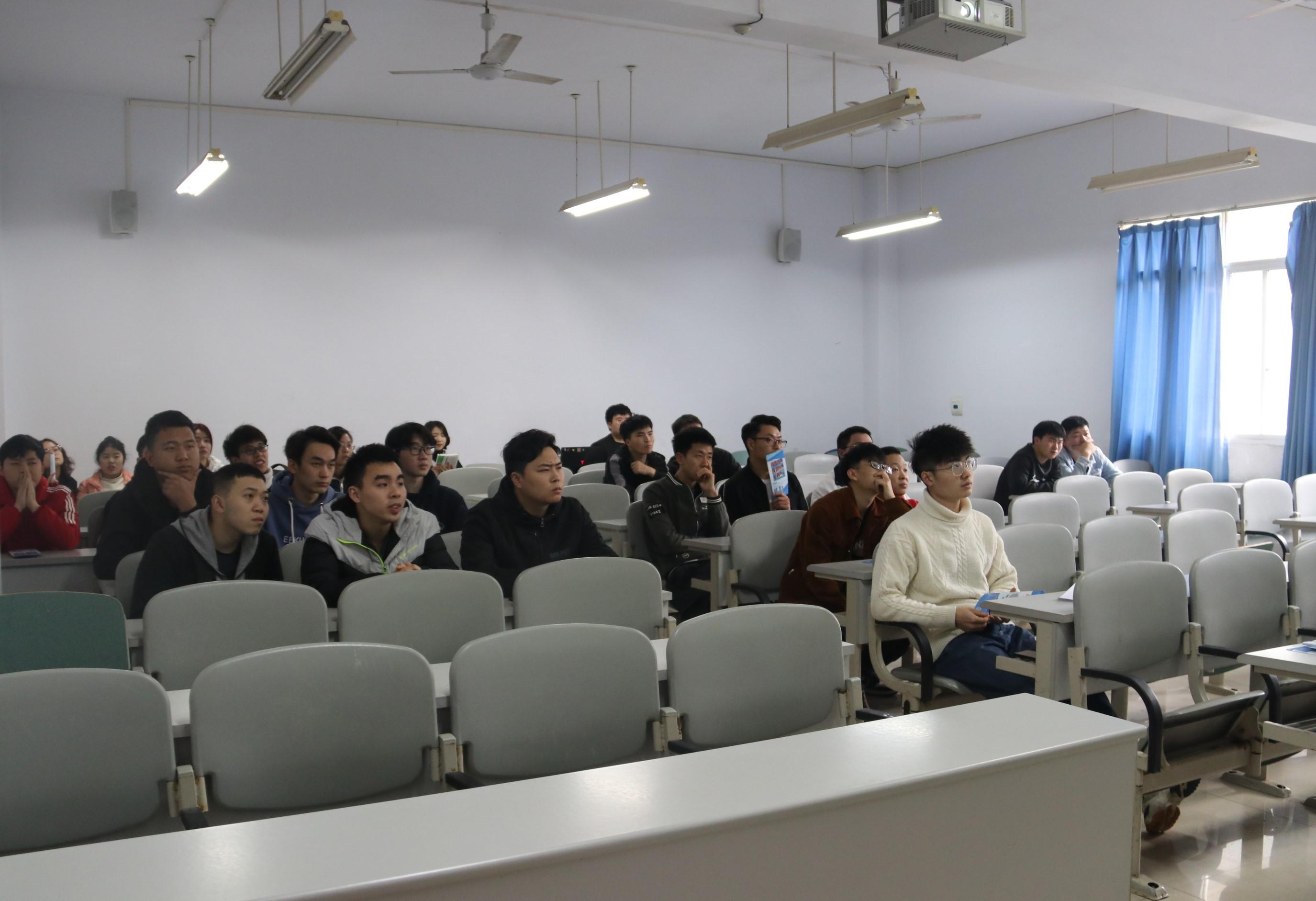 中建新疆建工(集团)有限公司校园招聘会2.jpg