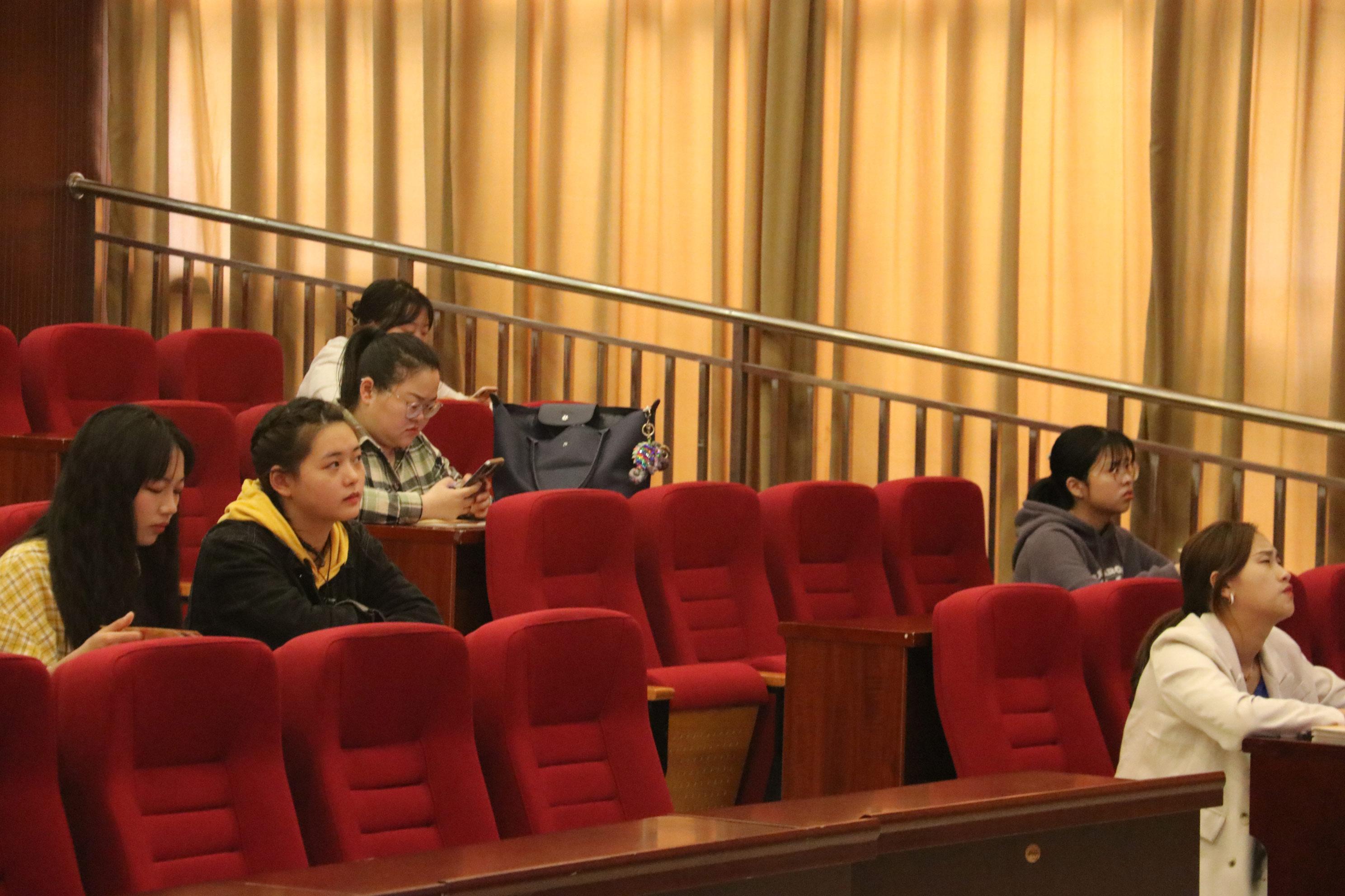 重庆启未体育发展有限公司校园招聘会3.jpg